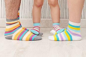 Une famille en pieds de bas : expression québécoise